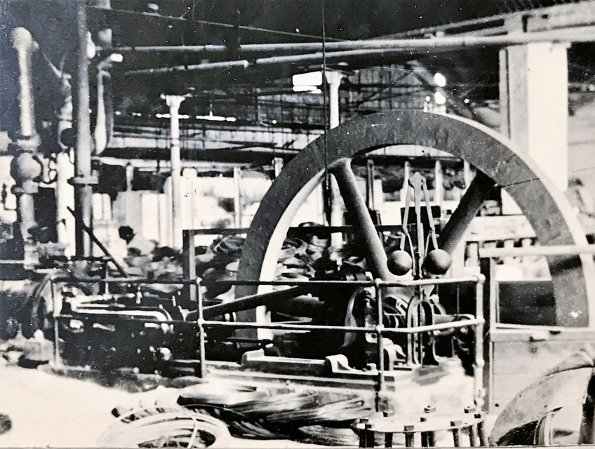 Steam Engine for driving twin drawing machines