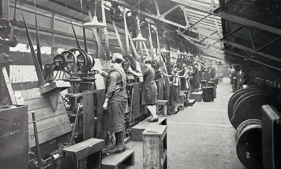 Women machine operators at Hay Mills c.1916